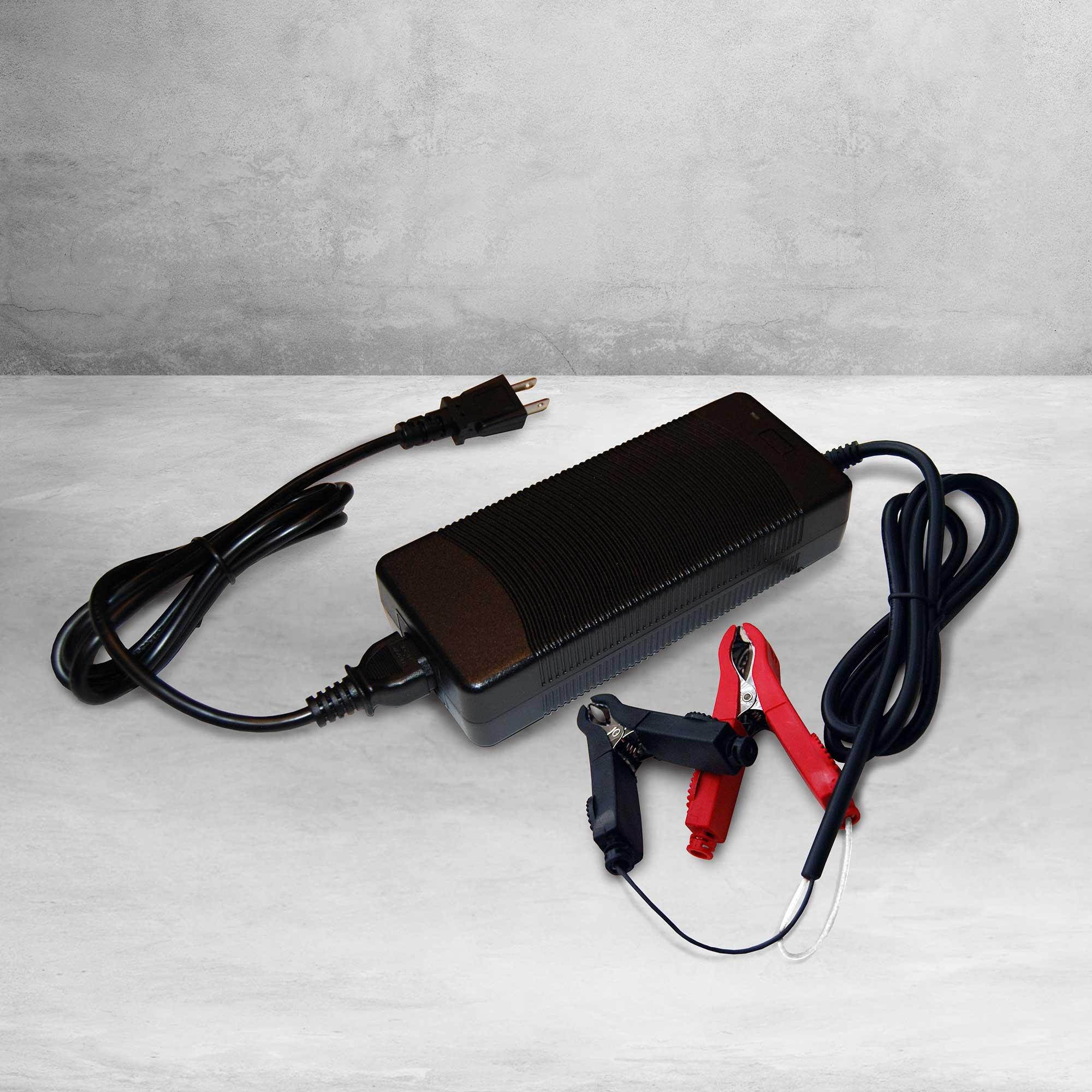 Dakota Lithium 12v 10A Battery Charger